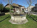 Dore-l'Église - Fontaine.jpg