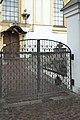 Ebbs Pfarrkirche Mariä Himmelfahrt Friedhofstür 258.jpg