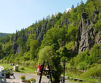 Eger Graben - The Hans Heiling Rocks on the Ohře west of Karlovy Vary : Variscan granite of the Bohemian Massif just south of the southern fault line of the graben in the Falkenau Basin.