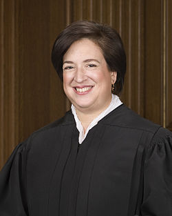 Elena Kagan official SCOTUS portrait.jpg