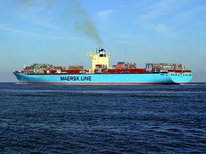 Eleonora Maersk pB 9321500, leaving Port of Rotterdam, Holland 25-Jan-2007.jpg