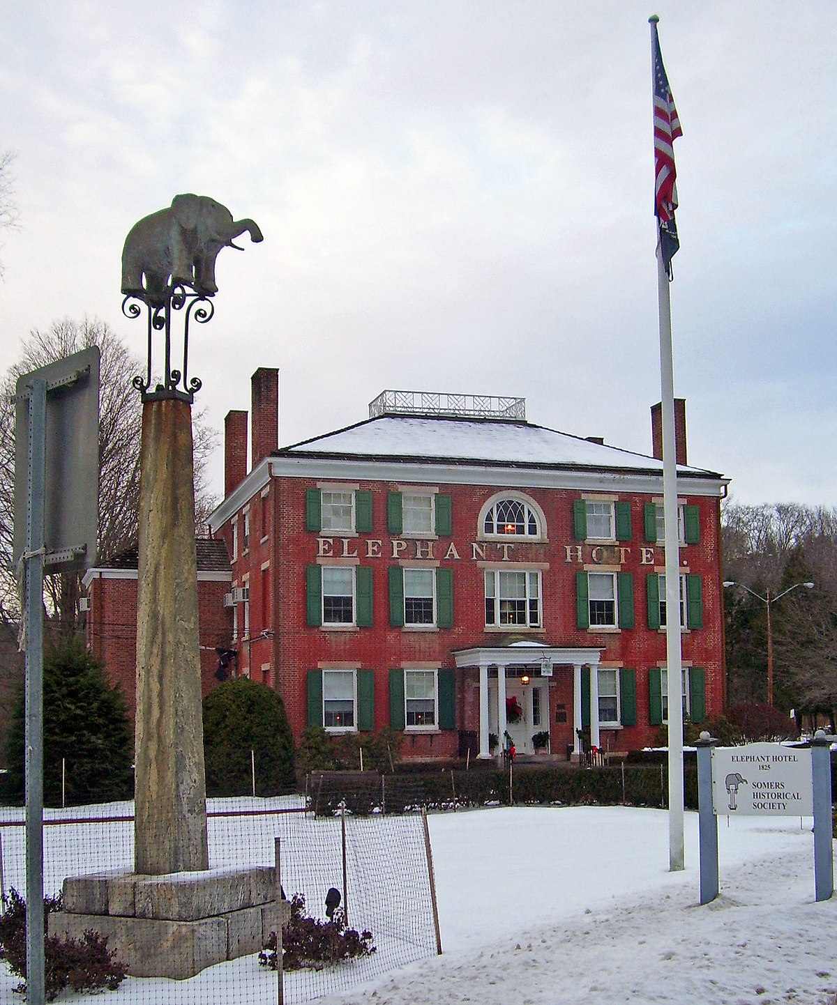 18 And Older Hotels In New York: Somers, New York