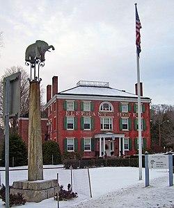 Elephant Hotel 2007.jpg