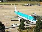Embraer de KLM. Esta comida va a costar... (6120586516).jpg