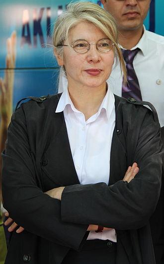 Women in Turkish politics - Emine Ülker Tarhan, chairwoman of The Anatolia Party