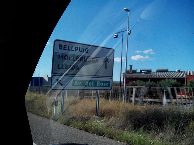 Entrada a Bellpuig --Urgell-- 2013-10-07 21-37.jpg