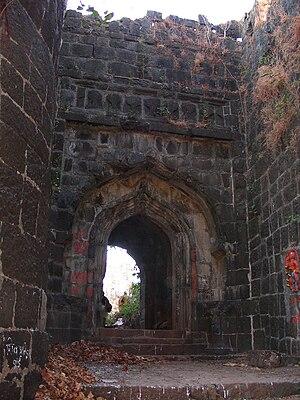 Suvarnadurg - Image: Entrance to Suvarnadurg