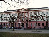 Das für Prinz Wilhelm errichtete, aber nie von ihm bezogene Erbprinzenpalais in Wiesbaden (Quelle: Wikimedia)