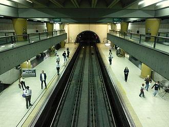 Line D (Buenos Aires Underground) - Olleros station platforms.