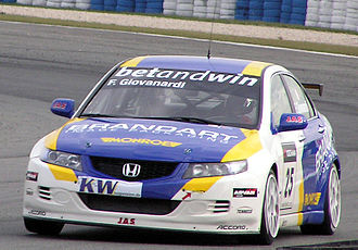 Fabrizio Giovanardi - Giovanardi competing in the 2006 World Touring Car Championship.