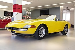 Ferarri Yellow love (7023834543).jpg