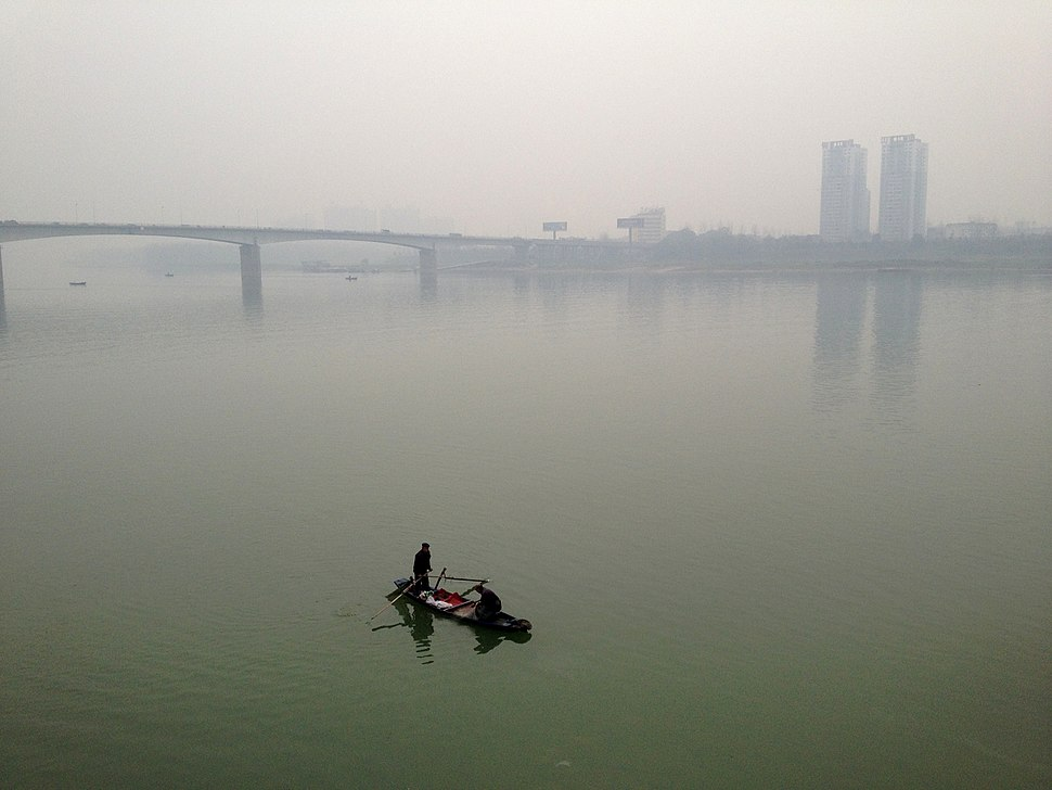 Fishermen on the Yuan river in Changde