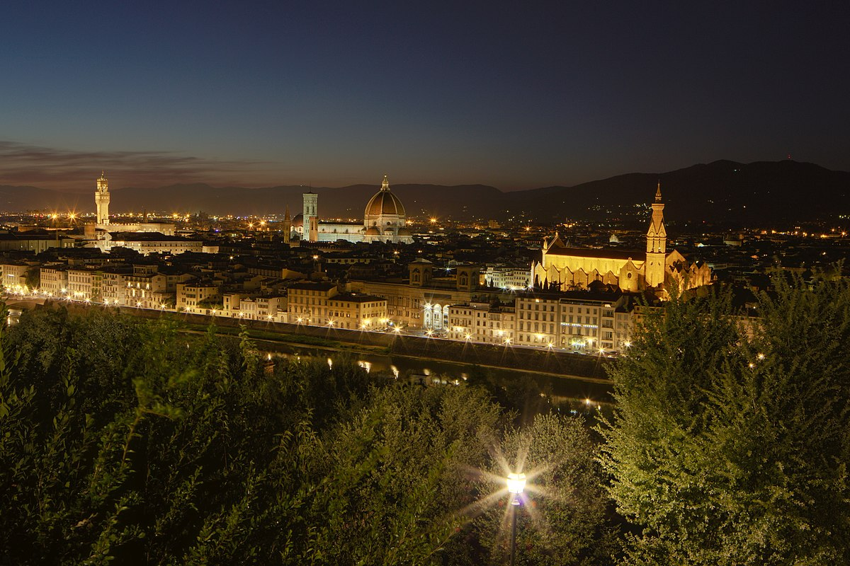 Italian Florence: File:Florence By Night From Piazzale Michelangelo.jpg