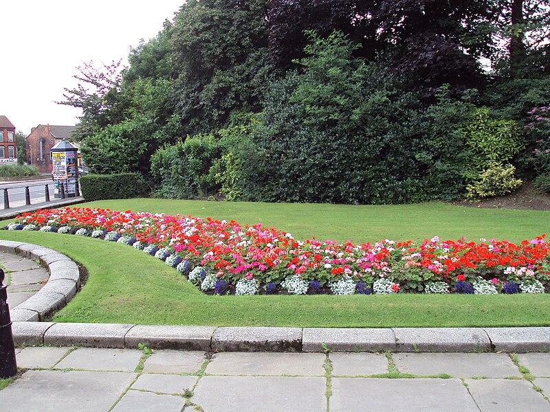 File:Flower Garden, Woodhouse Moor Park, Leeds - DSC07662.JPG