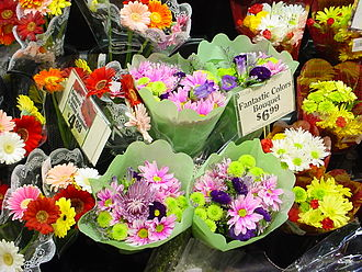 Cut flowers - Flower display in a US supermarket