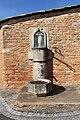 Fontaine place Église Chevagny Chevrières 2.jpg