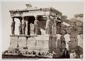 Fotografi av Karyatider på Erechteiontemplet på Akropolis i Aten - Hallwylska museet - 103040.tif