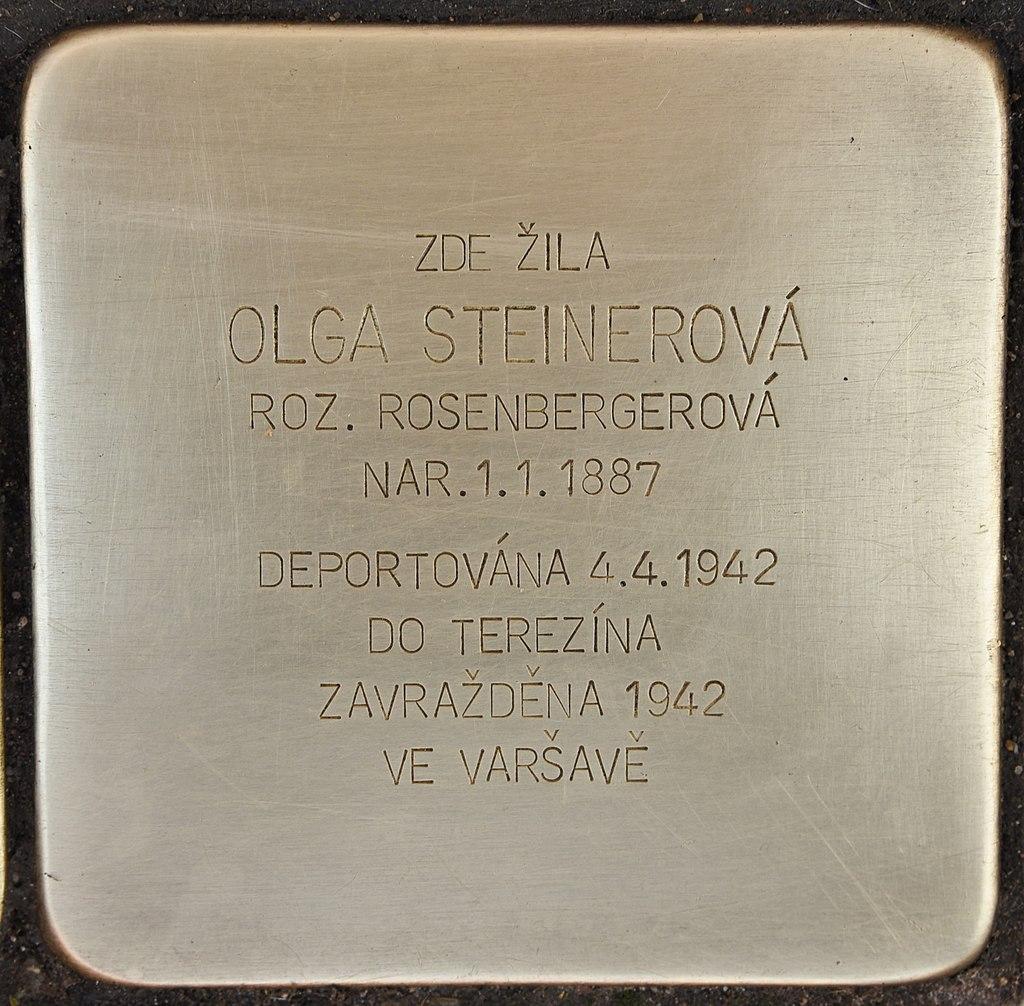 Gedenkstein für Olga Steinerová in Židlochovice Námestí Míru 27.jpg