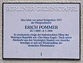 Gedenktafel Carl-Heinrich-Becker-Weg 16-18 (Stegl) Erich Pommer.jpg