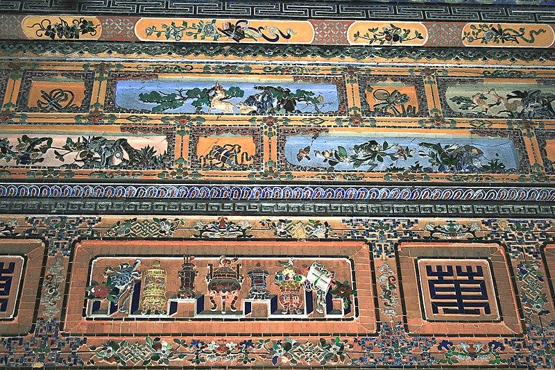 Nghệ thuật ghép sành sứ thủy tinh màu ở Ứng Lăng