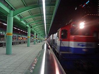 Sungkyunkwan University station - Image: Goods Train at Sungkyunkwan University Station at Night
