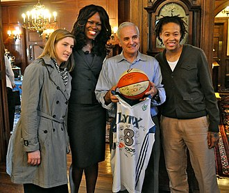 Minnesota Lynx - Whalen, McWilliams-Franklin, Minnesota Gov. Mark Dayton, and Augustus in 2011