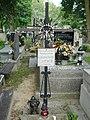 Grób symboliczny ofiar zajść w 1861 r. na cmentarzu w Jazgarzewie k. Piaseczna.jpg