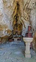 Grotte-chapelle de Notre-Dame de la Malene 04.jpg