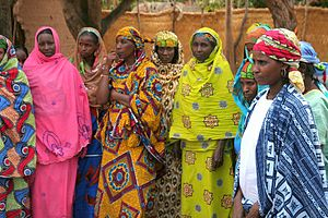 Group of Peul women in Paoua
