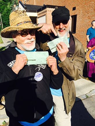James Cromwell - Cromwell and J.G. Hertzler show their arrest citations at the Crestwood station protest