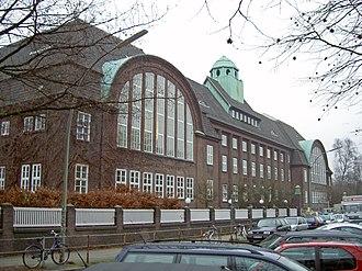 Hamburg-Nord - Image: Hamburg Holthusenbad 2004