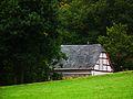 Haus hinter Hügel Kellenbach September 2012.JPG