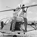 Helikopter, waarschijnlijk bij de airstrip Zorg en Hoop bij Paramaribo, Bestanddeelnr 252-2250.jpg
