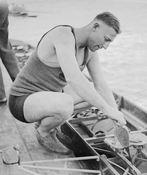 Bobby Pearce (rower) - Pearce oiling his scull in the 1930s