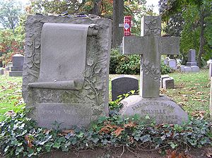 English: The grave of Herman Melville in Woodl...
