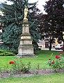 Holice, náměstí, mariánská socha.jpg