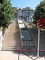 Hopital Edouard Herriot - Le grand escalier qui éclaire les sous-sols.JPG