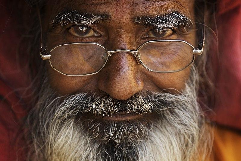 Bestand:India - Varanasi portrait - 2583.jpg