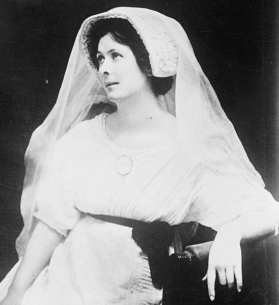 File:Isadora Duncan 3.jpg