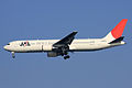 JAL B767-300(JA8976) (4082438561).jpg