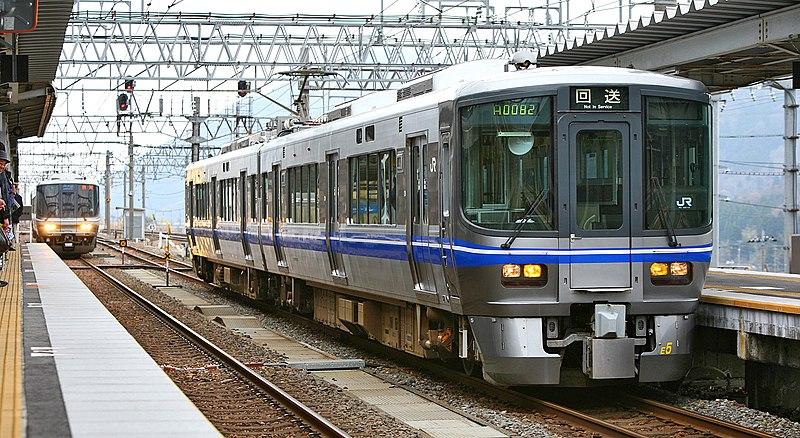 File:JR West 521 series EMU 013.JPG