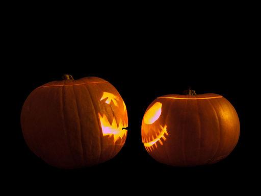 Jack-o'-lanterns Face Off