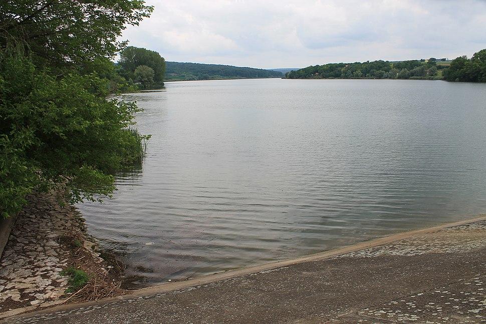 Jezero Moharač 824