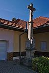 Kříž u zastávky, Služín, Stařechovice, okres Prostějov.jpg