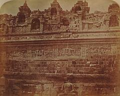 KITLV 90002 - Isidore van Kinsbergen - North side of Borobudur near Magelang - Around 1870.tif
