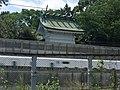 Kamogawa shrine to snuggle up to Tōkaidō Shinkansen.jpg