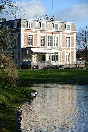 Lint, Belgium - Image: Kasteel Lindenhof met vijver, Lint, Antwerpen