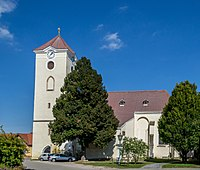 Kirche Schrattenthal.jpg