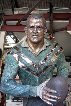 Peter Gallagher (rugby league, born 1937) - Life-size bronze statue of Peter Gallagher outside Gold Coast Turf Club by sculptor Linda Klarfeld.
