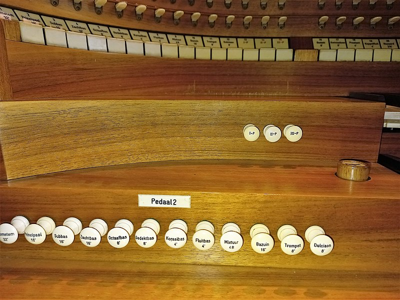 Datei:Knokke, Heilig Hart (Klais-Orgel, Spieltisch) (12).jpg